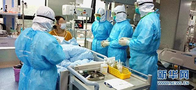 """听听国外医学同行如何评价中国战""""疫""""工作"""