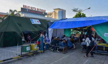 At least 5 killed, 40 injured as multiple quakes hit Indonesia's Lombok