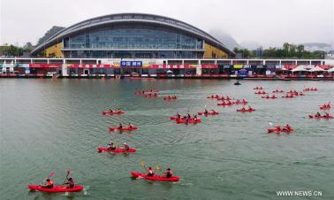 Canoeing competition held on Liujiang River