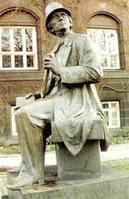 安徒生铜像