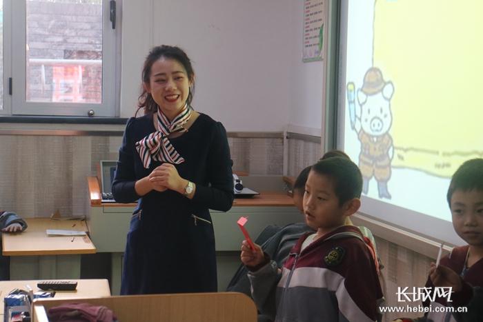 """石家庄市栗胜路小学再获""""优质生源基地""""称号"""