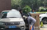 莫奶奶的第一架公共钢琴运抵宁波书城