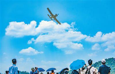 民企自主研发通用飞机三千米高度试飞