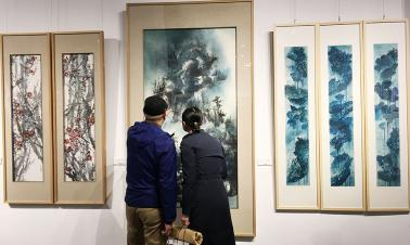 Exhibition showcases work of overseas Chinese artists
