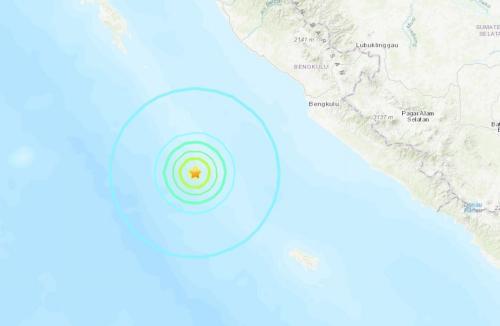 印尼西南部海域发生5.9级地震 震源深度10公里