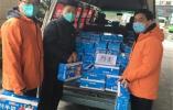 连线375|收到倪萍捐赠的一车牛奶,扬州医生写信致谢