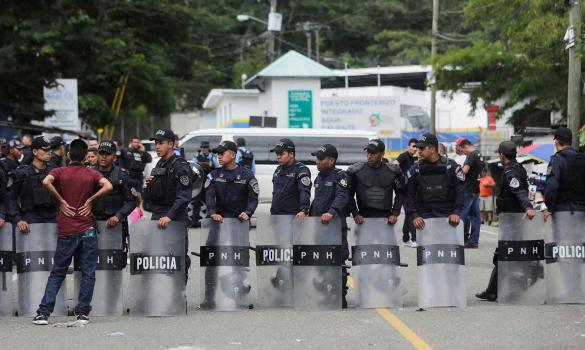 Honduras, Guatemala move to stop migrant caravan after Trump threats