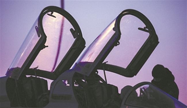 星夜银翼破长空——海军航空大学某团学员夜航单飞现场目击