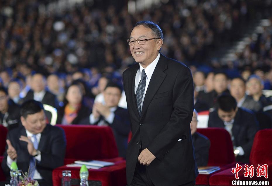75岁柳传志本周将卸任联想控股董事长 50岁宁旻团队接班