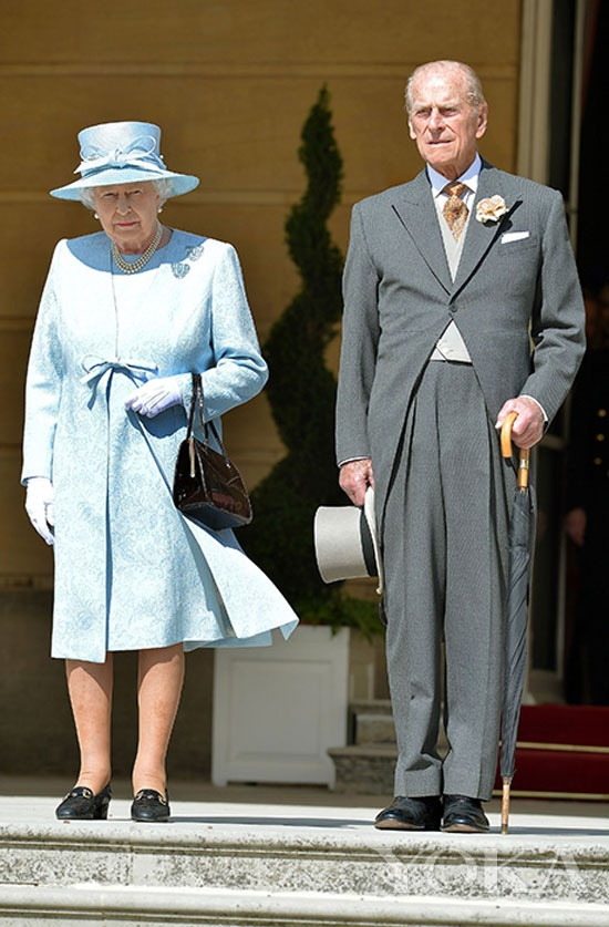 2019-06-20,菲利普亲王宣布正式退休。