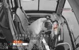 拉手刹,打双闪…公交司机强撑一口气,救了整辆车的乘客!